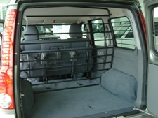 prtljažni prostor sa preklopljenim stražnim sjedalom i mogućnošću micanja metalne zaštite protiv naleta tereta