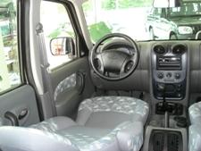 spušteno vozačevo sjedalo